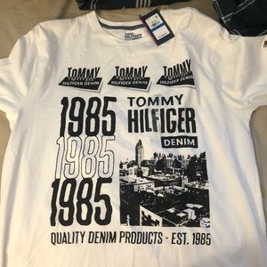 Vibrant tommy hilfiger tee